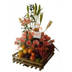 Lirios, Rosas, Gerberas y Frutas